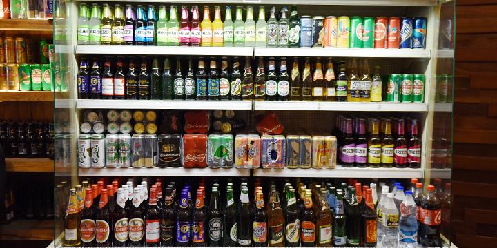 世界のお酒が揃うバンガロールの酒屋