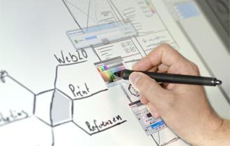 Webデザイン初心者はどっちを選ぶべき?