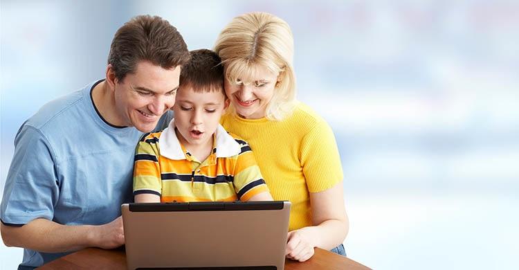 夏休みは親子で体験イベントへ!子供と学べるプログラミング教室・講座