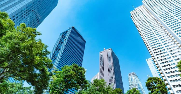 意外と緑豊か!東京の中心「新宿」のWebスクールで学ぶ