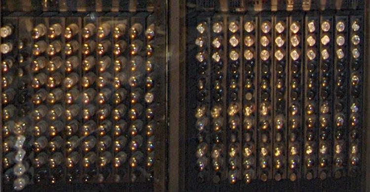 ENIACに搭載されている真空管
